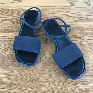 WHITE STAG black low heel sandals w/stretch straps